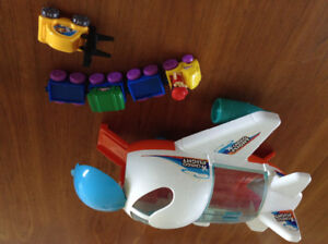 Toy cargo plane -age 18M & Up