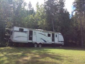 ROULOTTE 2012- 33 pieds à vendre