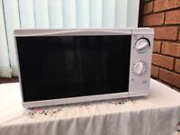 Microwave Oven model MM08 (Tesco) with user guide leaflet £20.00 in vgc (retail value £39)