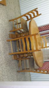 Solid wood table with chairs DELIVERY INCLUDED