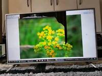 LG Smart TV 42'' (42LB570V) - crack screen - for spares or repair