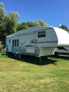 Four Winds fifth wheel
