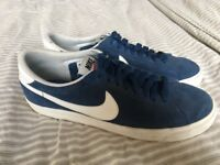 Men's size 7 Nike trainers