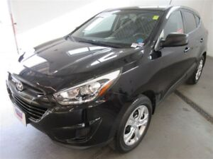 2015 Hyundai Tucson GL! ONLY 11K! HEATED! TRADE-IN! SAVE!