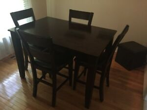 Sofa/Sectional Chair/Dining Table and Chairs