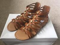 Steve Madden Gladiator Sandals Size 4