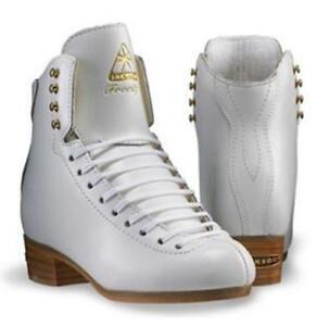 """""""Looking for size 3 1/2 or size 4 width C Jackson skates"""""""