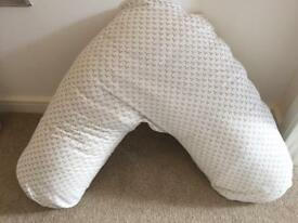 Breastfeeding / Nursing / V Pillow