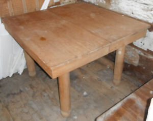 Antique 5 post dining room table