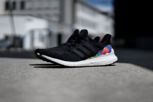 ★★★★★★★ BRAND NEW IN BOX ADIDAS ULTRABOOST PRIDE SIZE 7.5 ★★★★★★