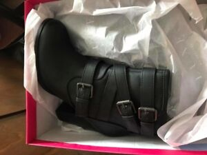 New in Box JustFab boots 7.5