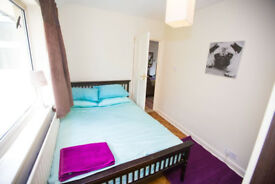 Mon - Fri double room available in West Byfleet.