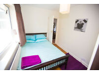 Double room available in West Byfleet.
