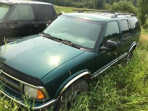 "1997 Chevy Blazer 4x4 V6 31"" tires Needs some work"