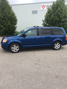 2010 Dodge Grand Caravan LOW KMS