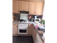 LARGE 3 BED HOUSE IN CHADWELL HEATH WITH A DRIVEWAY FOR £1500PCM ! PERFECT FOR A SMALL FAMILY !