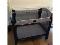Graco playpen travel cot folds up good condition