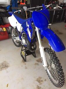 Like New 2001 YZ 125