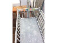 Bespoke swing cot