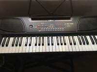 MK100 keyboard by Gear4Music - Ideal first keyboard