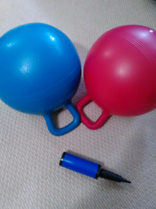 Twin bouncing balls with pump