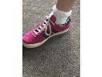 Ladies pink adidas gazelle 4.5