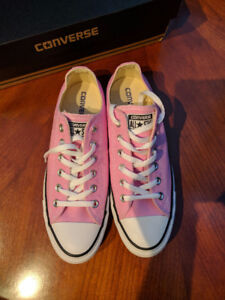 CONVERSE UNISEX CHUCK TAYLORS ICY PINK