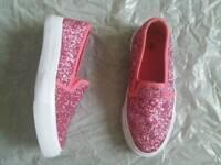 ** Pink slip on daps very pretty**