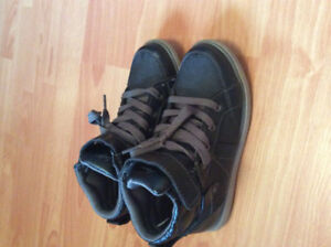 Size 1 American Eagle shoes