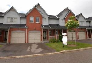Bright Beautiful Daniels Luxury Town Home -Minutes To Hwy 401/40