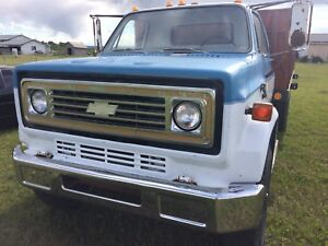 Roofers!C60 GMC Truck with 16' grain box