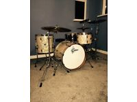 BA University qualified Drum kit and music production teacher