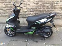 Phantom 50cc 61 plate Moped Scooter 50 cc with alarm Can deliver not honda yamaha gilera