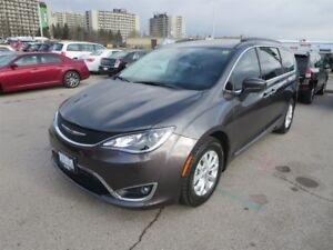2017 Chrysler Pacifica Touring - Leather  Pwr Doors  Heated Seat