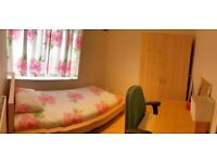 Nice Single Rooms Near Morden Underground Station