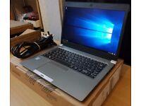 "Toshiba Portege Z30-C-16K Ultrabook Laptop - 13.3"" FHD / Intel Core i5-6200U / 8GB RAM / 256GB SSD"