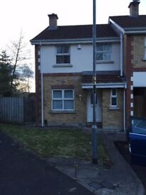 3 Bed End Terrace House For rent in quiet Cul de Sac - Shepherds Grove/Glen Area