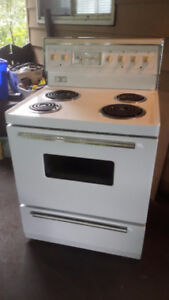 """Eaton Viking 30"""" STOVE / OVEN - EXCELLENT CONDITION !! and CLEAN"""