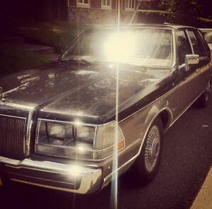 1986 Lincoln Continental Valentino