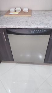 SELLING FRIGIDAIRE DISHWASHER