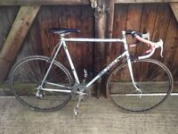 GENTS RALEIGH ROAD BIKE (VINTAGE LOOK) GOOD BIKE IT RIDES WELL, CHEAP BIKE FOR SOMEONE.