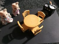 FOR SALE: Sylvanian dining table and chairs, stove and 2 cat figures