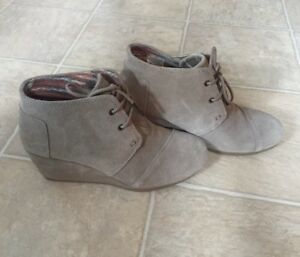Toms Wedges - never worn