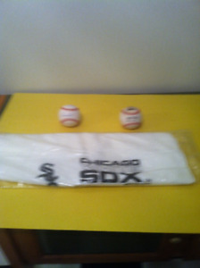 Chicago White Sox - Signed Team Baseball - Team Towel