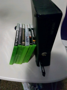 (looking for ps4 games)xbox 360 8gb 2 64gb flashdrives