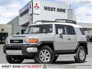 2014 Toyota FJ Cruiser–Satellite Radio–Backup Camera–Roof Rack