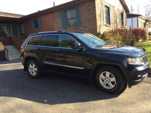 2011 Jeep Grand Cherokee Laredo 4X4 4WD Impeccable
