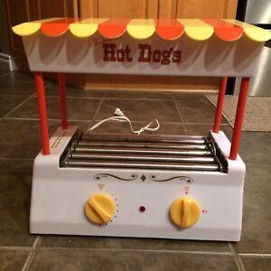 Electric hot dog warmer