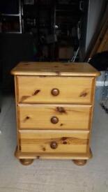 3 drawer bedside table