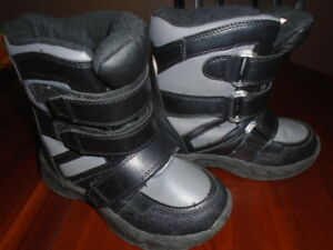 Boys Winter Boots Size 1